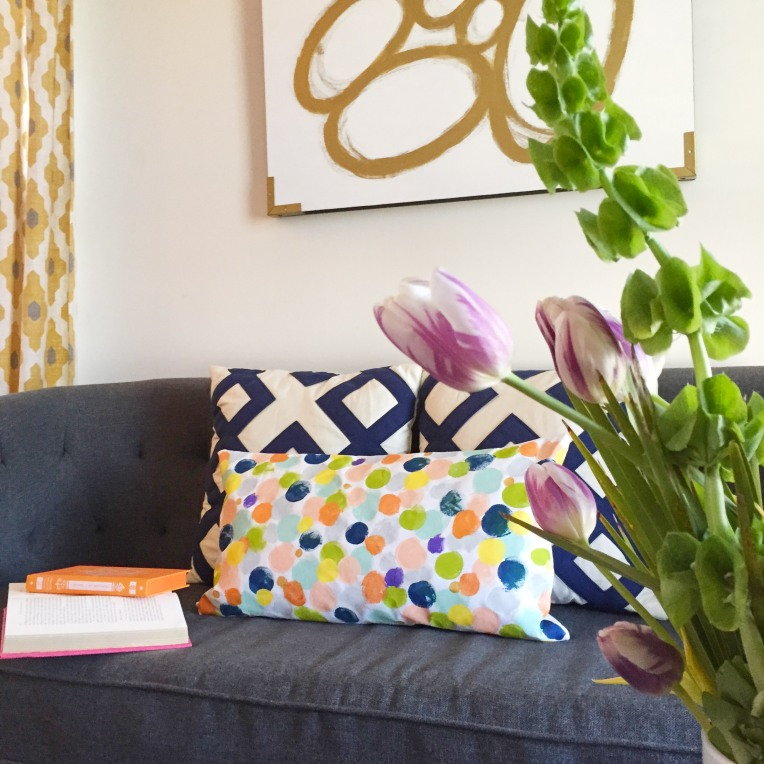 Blanc Blog Pillow